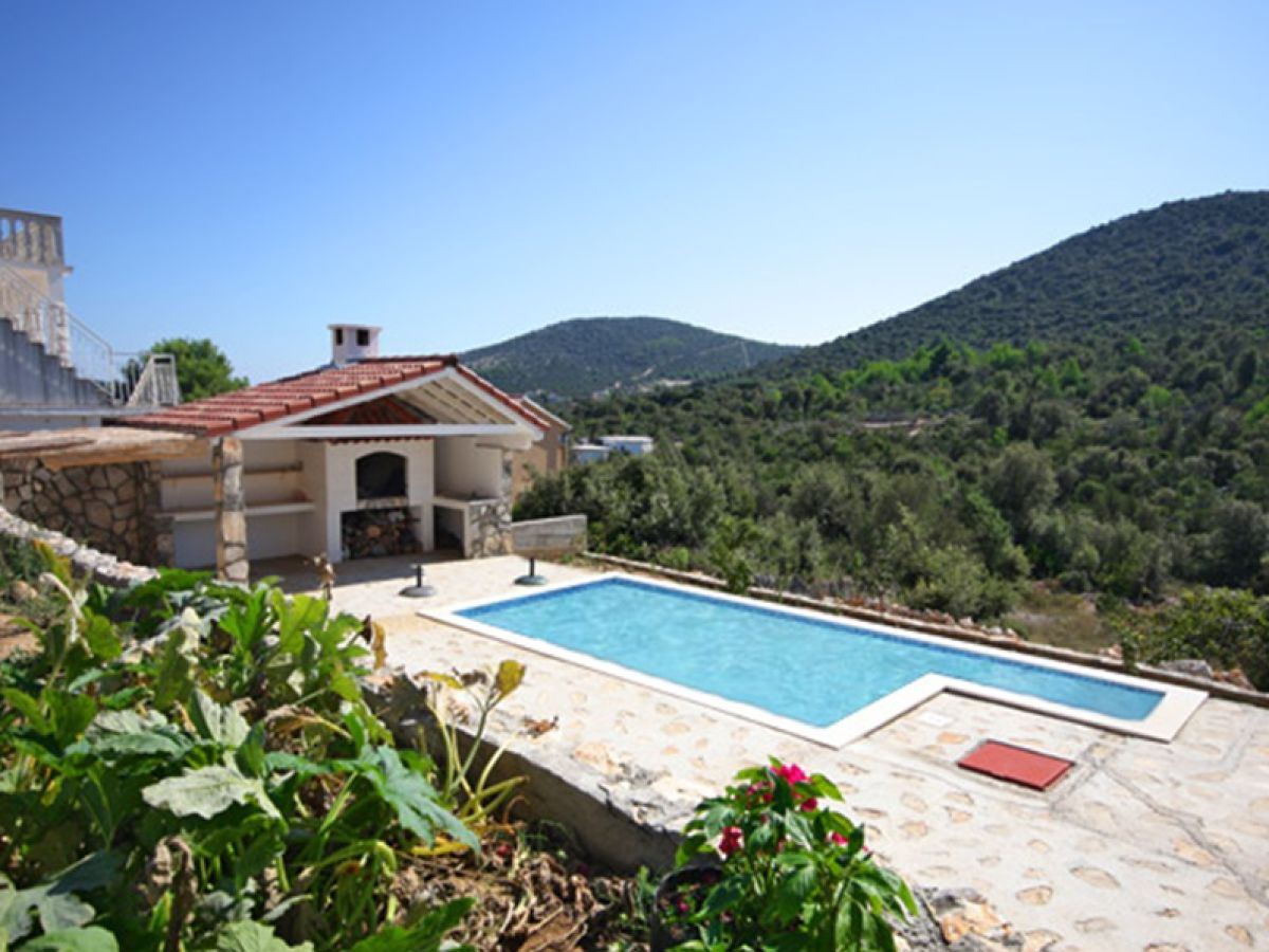 Ferienwohnung Mit Pool Zadar Holiday House Small House With Pool Vinisce Company Larus Mate
