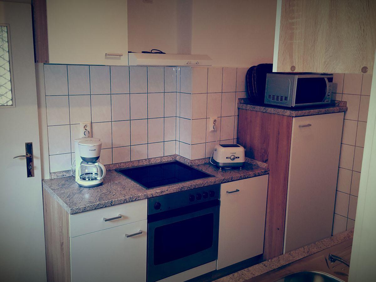 Miniküche Kühlschrank Austauschen : Küche planen herd neben kühlschrank singlekÜche single küche