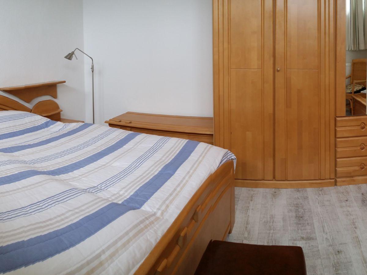 Fußboden Schlafzimmer ~ Schlafzimmer fußboden weißer fußboden planungswelten de
