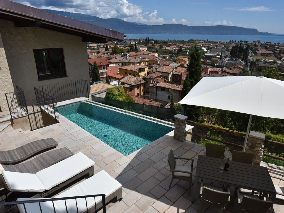 Ferienhaus Gardasee Mit Pool Privat Holiday House Exclusive Villa With Private Pool And Sea View