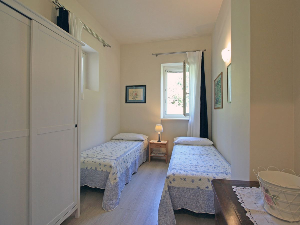 Schlafzimmer Roma | Gk Möbelvertrieb Roma Schlafzimmereinrichtung ...