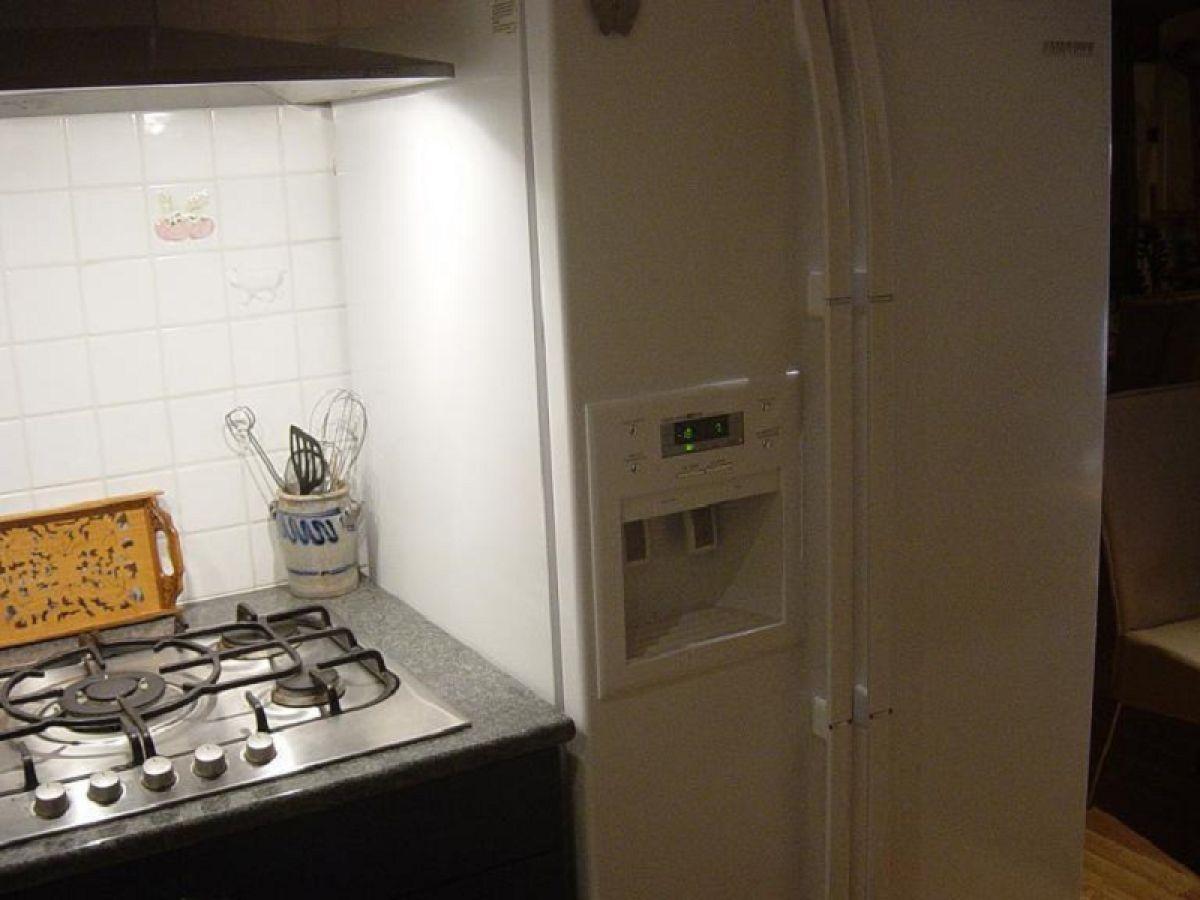Amerikanischer Kühlschrank Lutz : Küche mit kühlschrank chalet wallisblick wallis brig aletsch familie