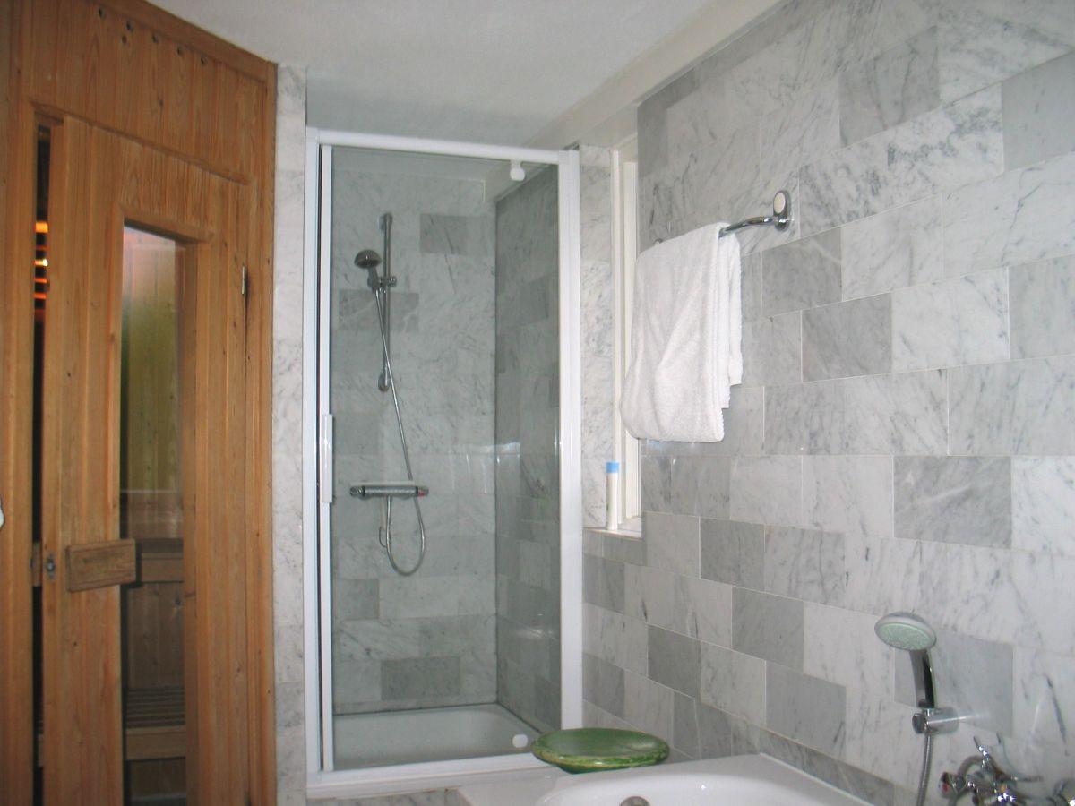 Badezimmer Mit Dusche Ohne Wanne | Kleine Exklusive Bäder Mit Dem ...