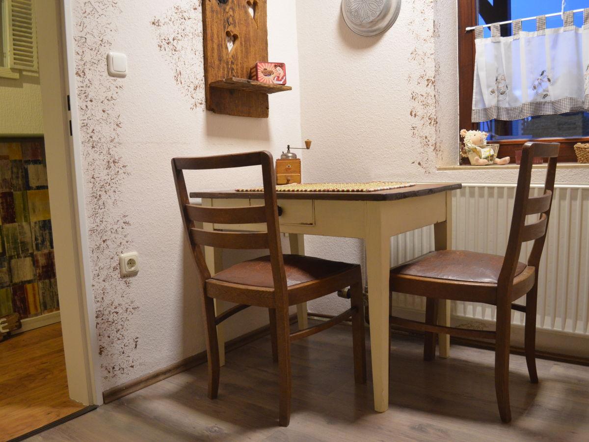 Kleiner Essplatz Kuche Schmaler Kuchenunterschrank Schmale Kuche