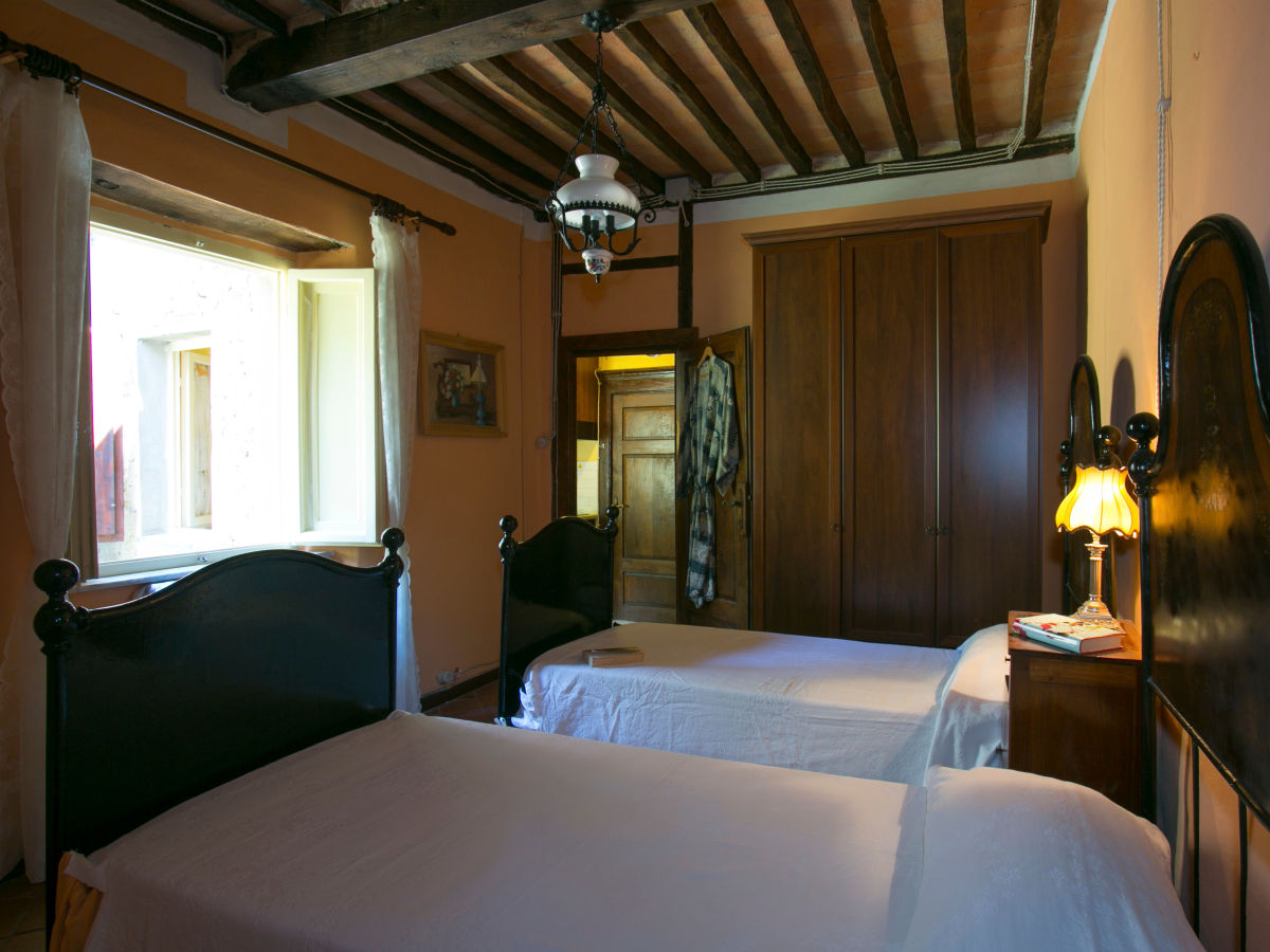 Helles Schlafzimmer Apartment Benedetta Sillicano Firma Friends Of Tuscany