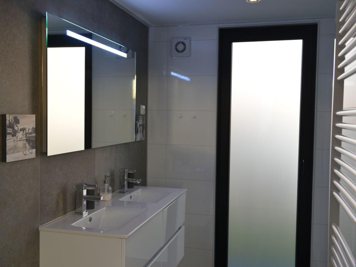 Komplett Badezimmer Mit Doppelwaschtisch
