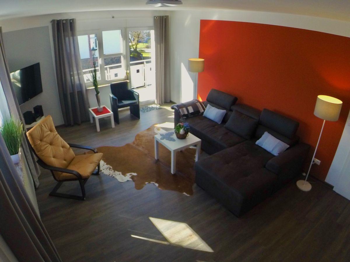 Wohnzimmer Mit Großem Fernseher Wohnung C Wohnzimmer Mit Großem Tv