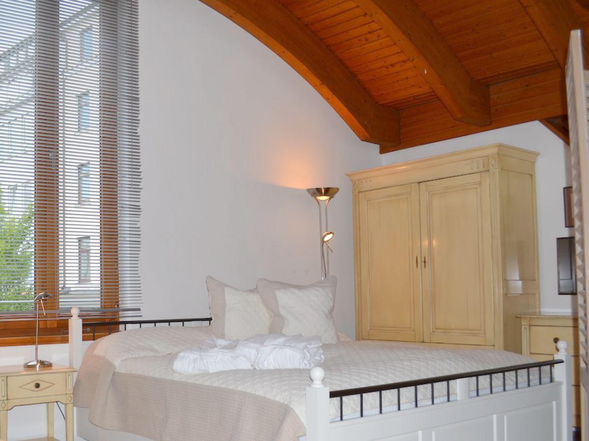 Schlafen Im Wohnzimmer | Wohnzimmer Farbgestaltung 20 Inspirierend ...