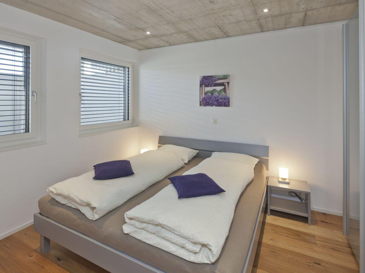 Lavendel Schlafzimmer | Ferienwohnung 2 Im Haus Lavendel Endingen Am ...