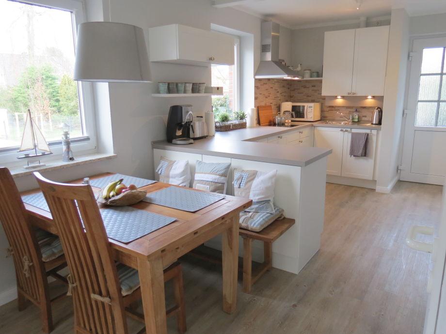 Kleine Küche zum Wohlfühlen - Fertiggestellte Küchen - Bauformat - offene küche wohnzimmer