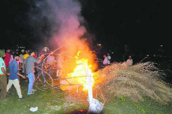 YAD-Cong clash over 'chitta' Ravana