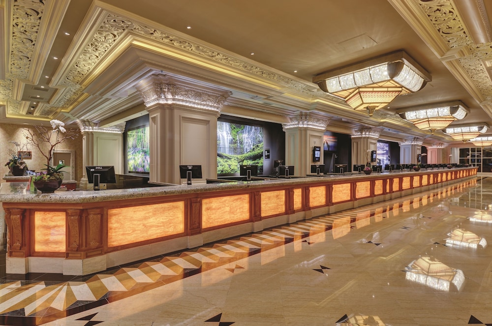 Mandalay Bay Resort And Casino 2018 Room Prices $89, Deals