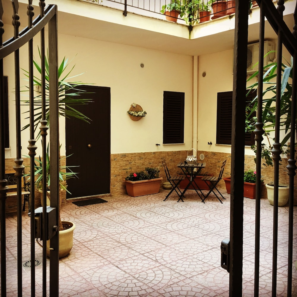 Lavanderia Self Service Palermo Cappuccini Flats Palermo 2019 Hotel Prices Expedia Co Uk