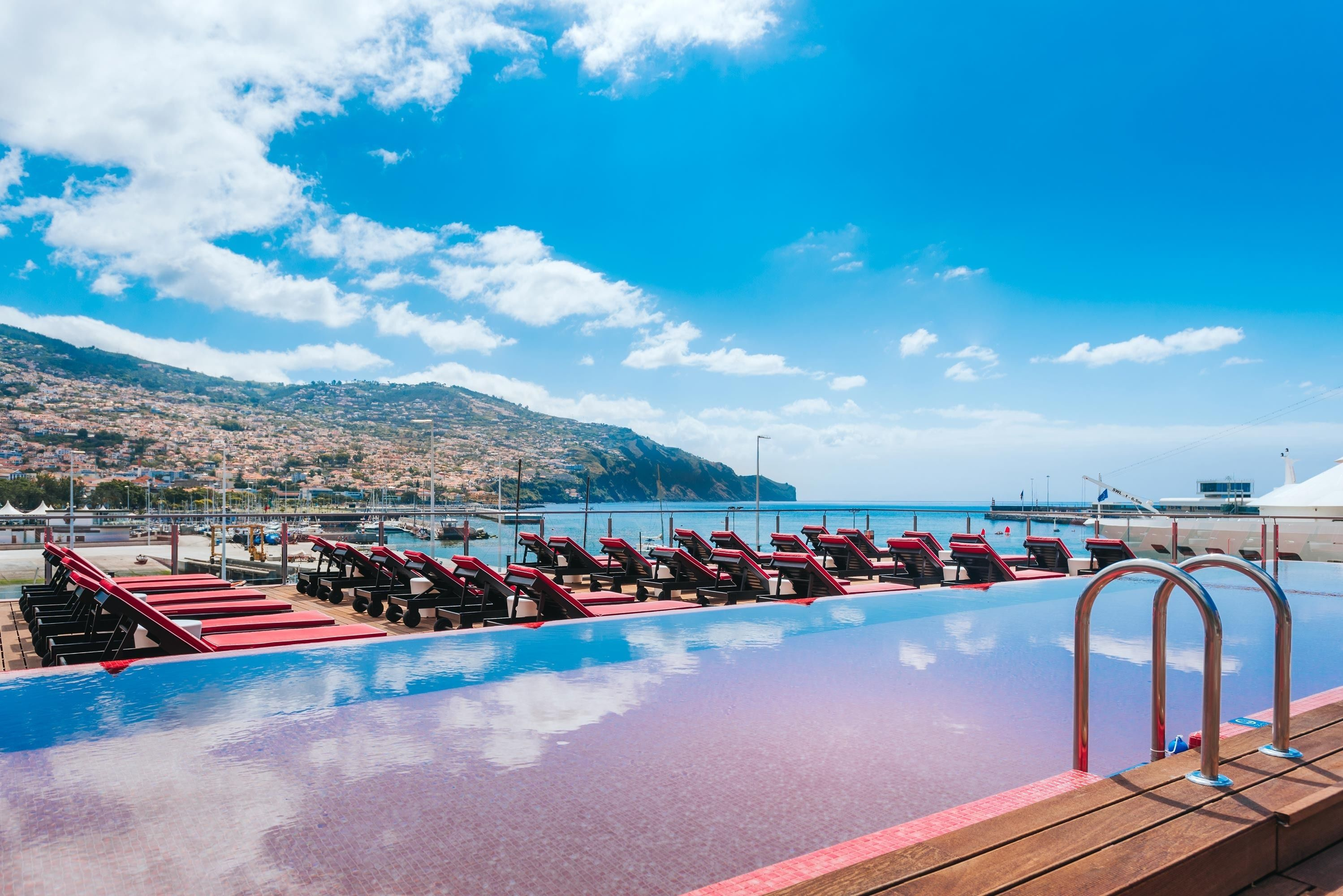 Pestana Cr7 Funchal Funchal Hotelbewertungen 2021 Expedia At