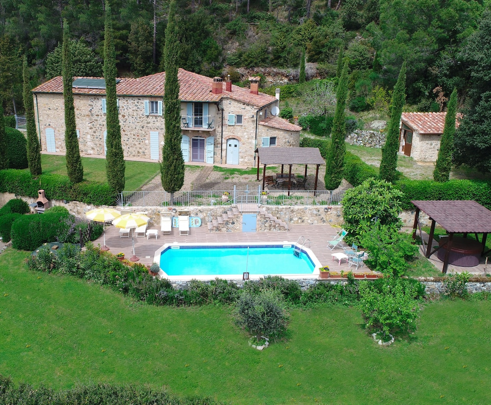 Jacuzzi In The Pool Private Villa With Pool And Jacuzzi In Tuscany Exclusive Use In