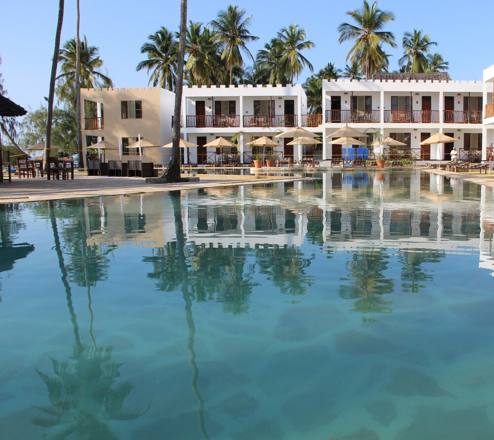 Hotel Met Zwembad Aan Zee Belgie Zanzibar Bay Resort Marumbi 2019 Room Rates Reviews Ebookers