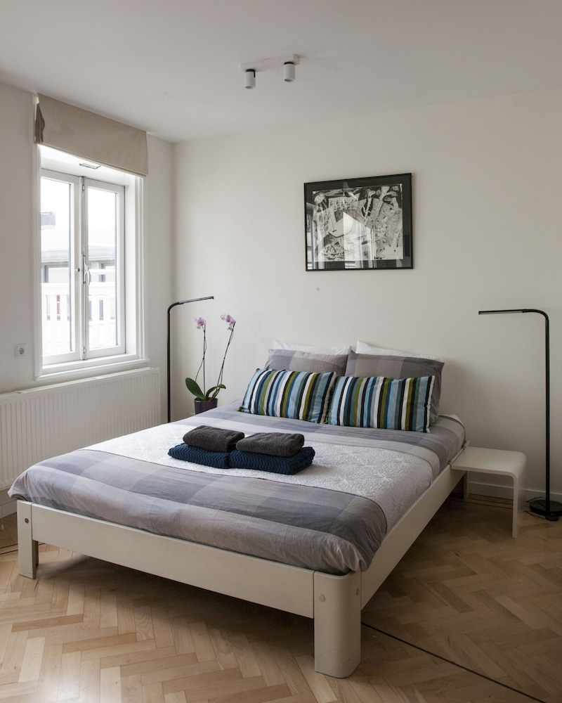 Bed And Breakfast Romford Kuwadro B B Amsterdam Centrum In Amsterdam Hotel Rates Reviews