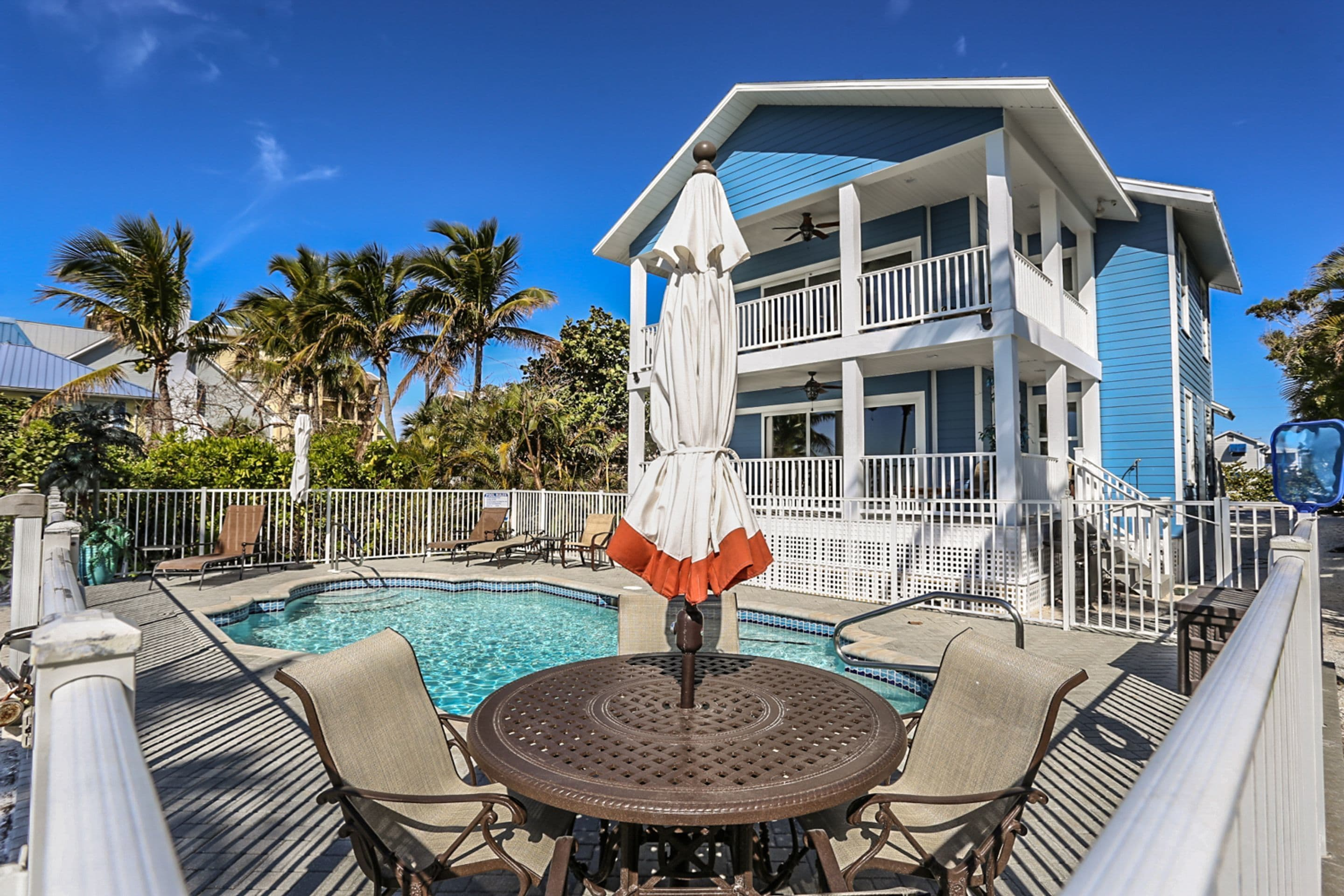 2704 2706 Estero Amazing Beach House In Fort Myers Beach Fl Expedia