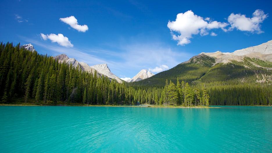 Car Wallpaper For Windows 10 Maligne Lake In Jasper Alberta Expedia Ca