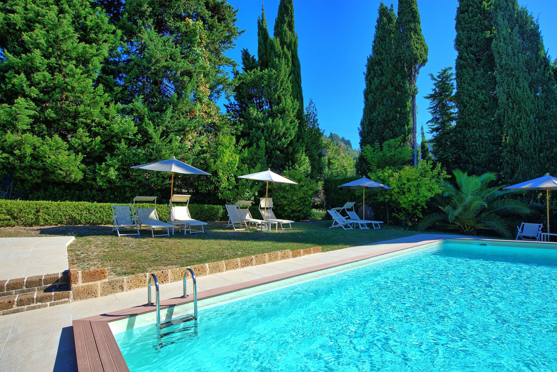 Jacuzzi Pool Was Ist Das Camaiore Villa Vacation Rental Villa Camaiore That Sleeps 15