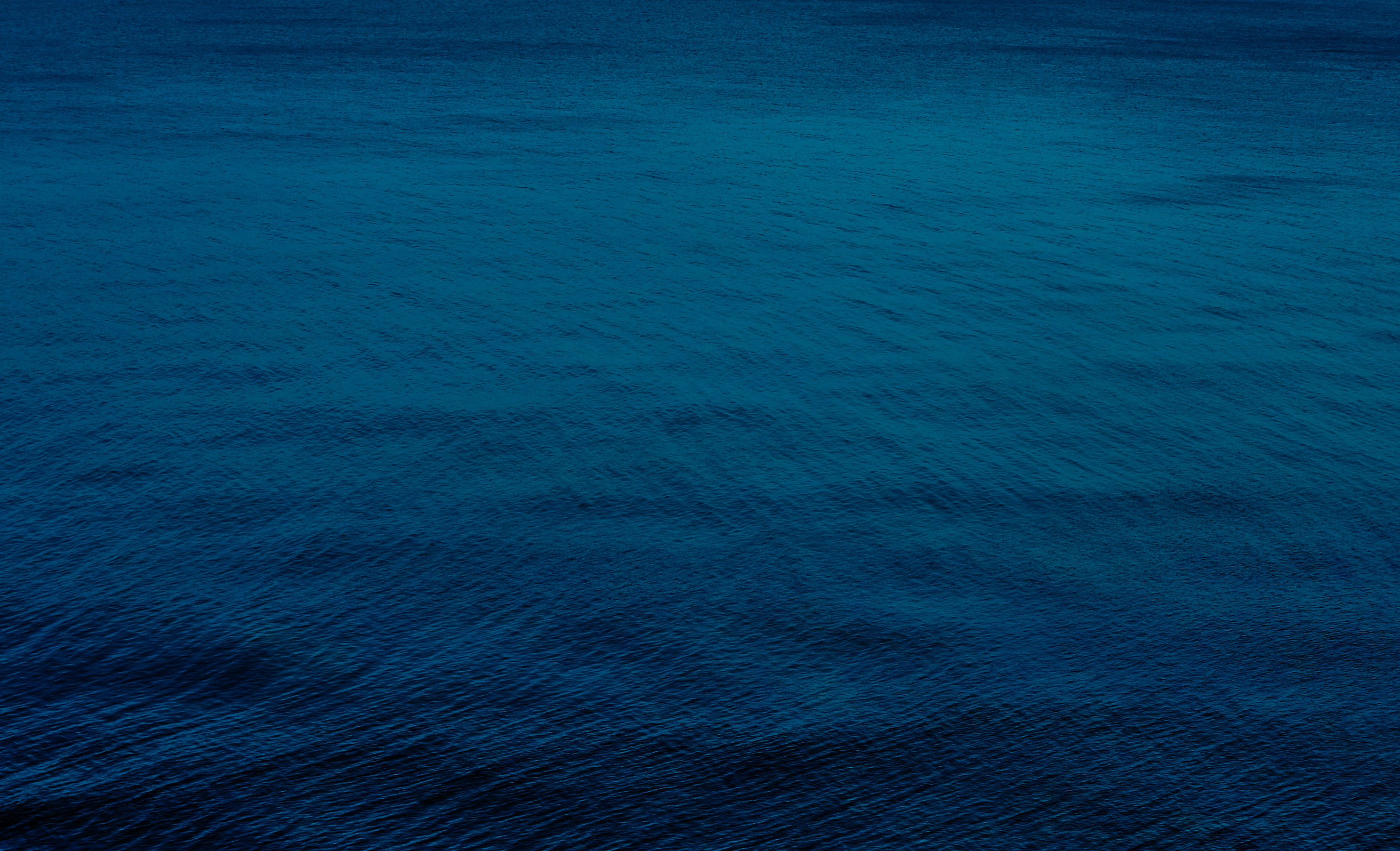 Green Wallpaper Iphone 5 Deep Blue Sea Pictures Download Free Images On Unsplash