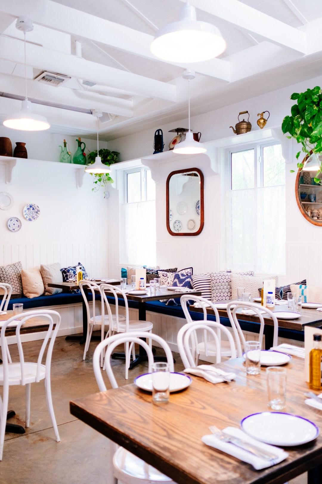Store Banne 6 X 3.5 M Cafe Restaurant Tables And Chairs Hd Photo By Jason