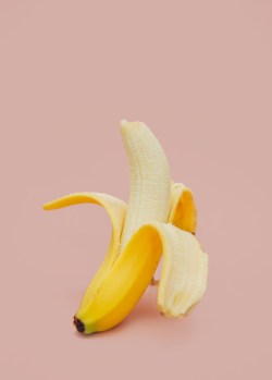 Small Of How To Peel A Banana