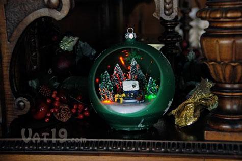 Musical Sparkling Christmas Ornament Plays 25 Christmas Carols - light up christmas decorations