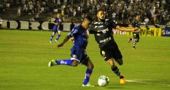 Ex-Campinense marca duas vezes e América-RN tira invencibilidade do Botafogo-PB no Almeidão