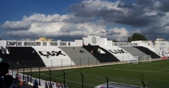 Diretoria do Treze consegue suspender leilão do estádio Presidente Vargas