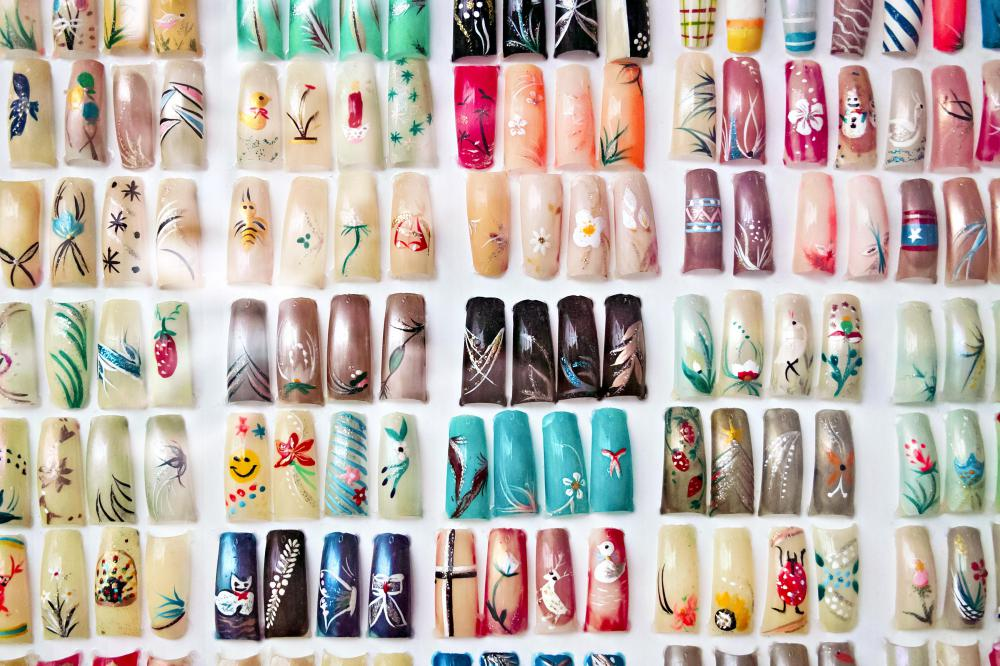 What Are The Different Types Of Artificial Fingernails