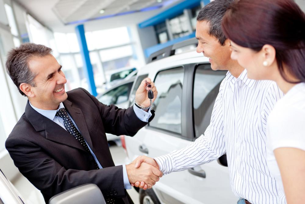 How do I Become a Retail Sales Associate? (with pictures) - retail sales associate