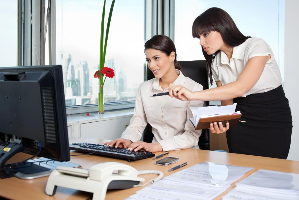 What is an Administrative Assistant? (with pictures) - administrative assistant