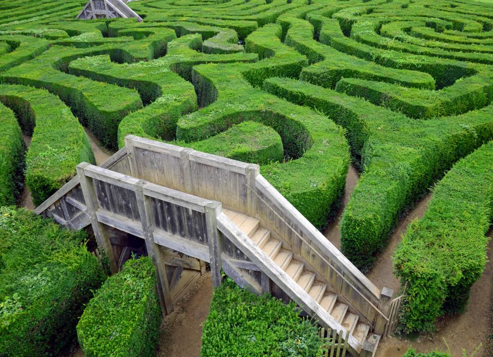 What is a Labyrinth? (with pictures) - labyrinth garden design
