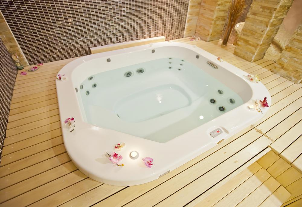 Chakuzi What Is The Difference Between A Hot Tub And A Spa?