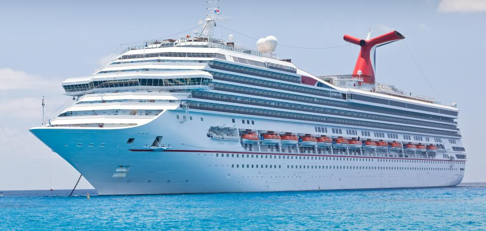 What are Passenger Ships? (with pictures) - types of ships