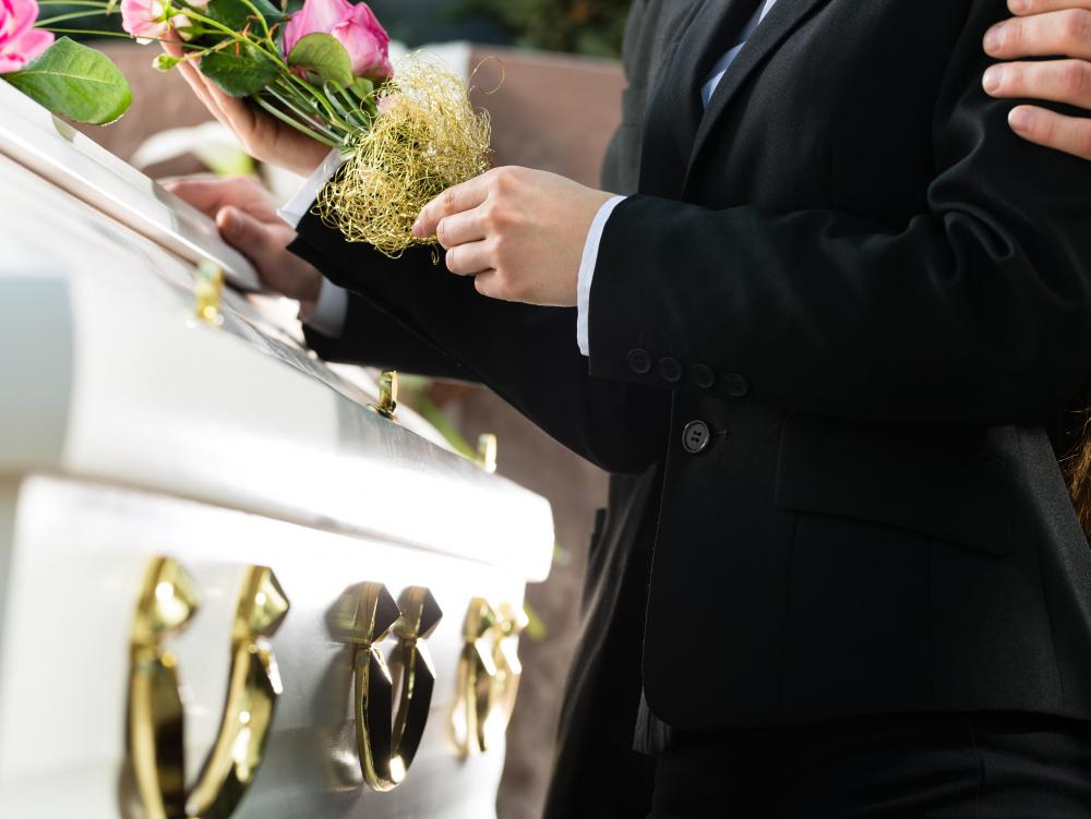 How do I Become a Mortician? (with pictures) - mortician job description