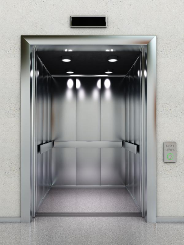 What do Elevator Constructors do? (with pictures)