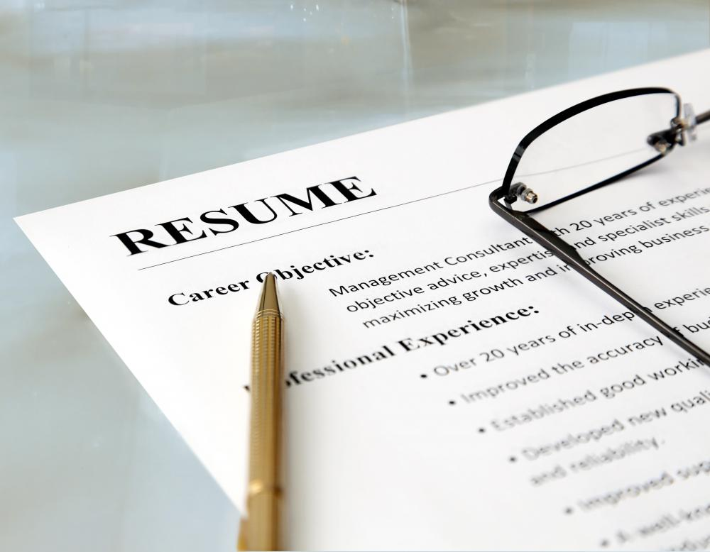 What does a Freelance Resume Writer do? (with pictures)