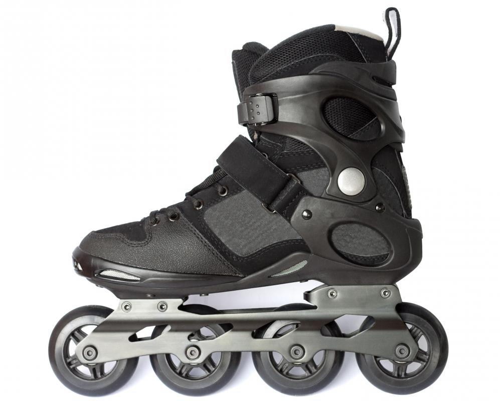 Roller blades have wheels that are positioned in a straight line at the center of the foot