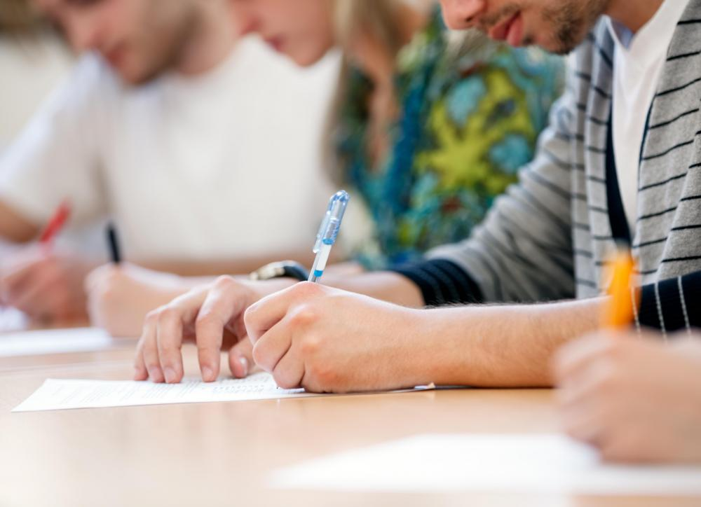 What is an Essay Exam? (with pictures)