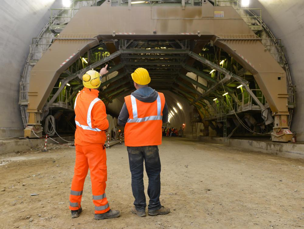 What is a Project Engineer? (with pictures) - building engineer job description