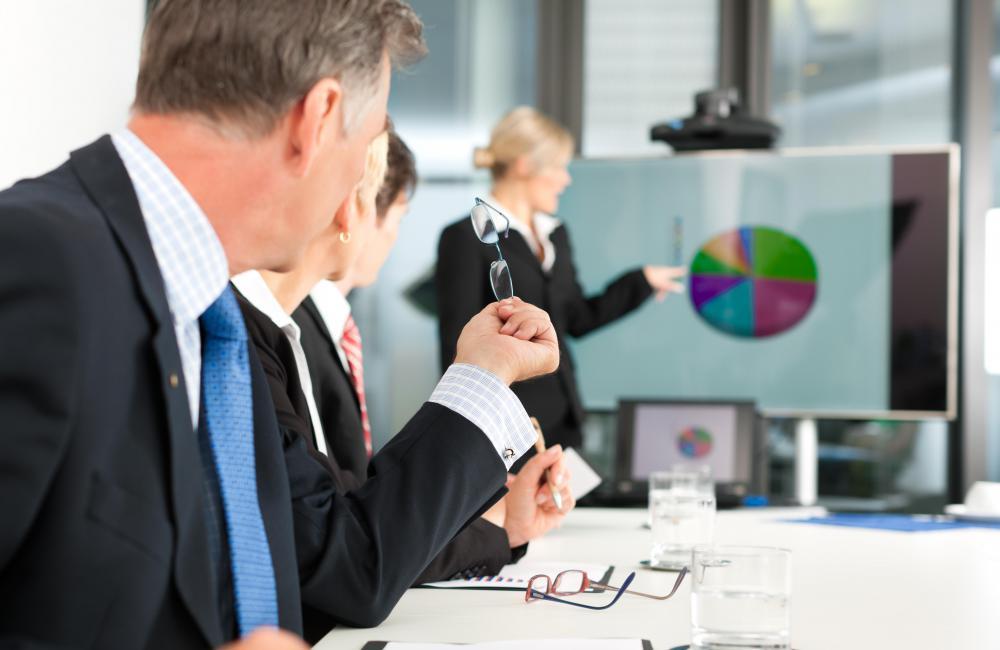 Presenting a pie chart GO Circle Ideas Pinterest Business - business presentation