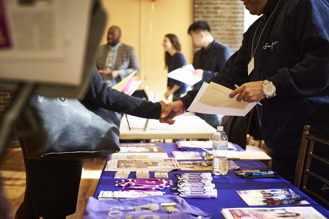 Employers Eager to Hire Try a New Policy \u0027No Experience Necessary