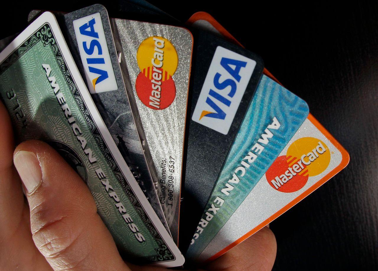 Credit-Card Losses Surge at Small Banks - WSJ - card