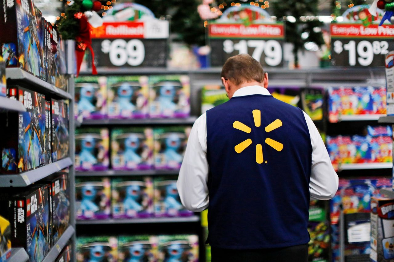 At Walmart, the CEO Makes 1,188 Times as Much as the Median Worker - WSJ - walmart universal city tx