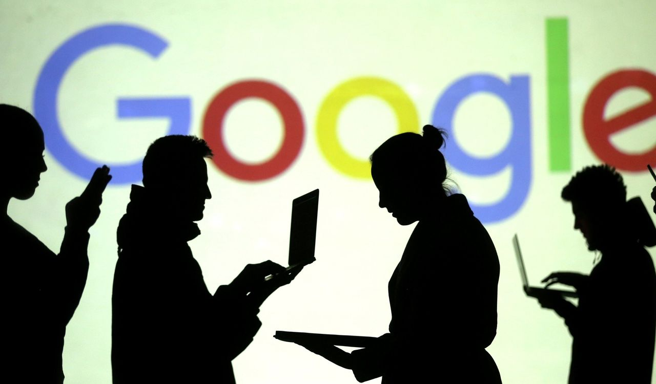 Startup Takes on Google With a New Approach Rewards for Users - WSJ