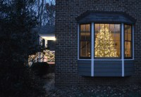 Outdoor Holiday Decorating (& The Easy Way To Hang Window ...