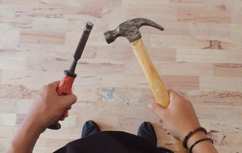 10 Signs Your Contractor Might Be Trying to Screw You Over