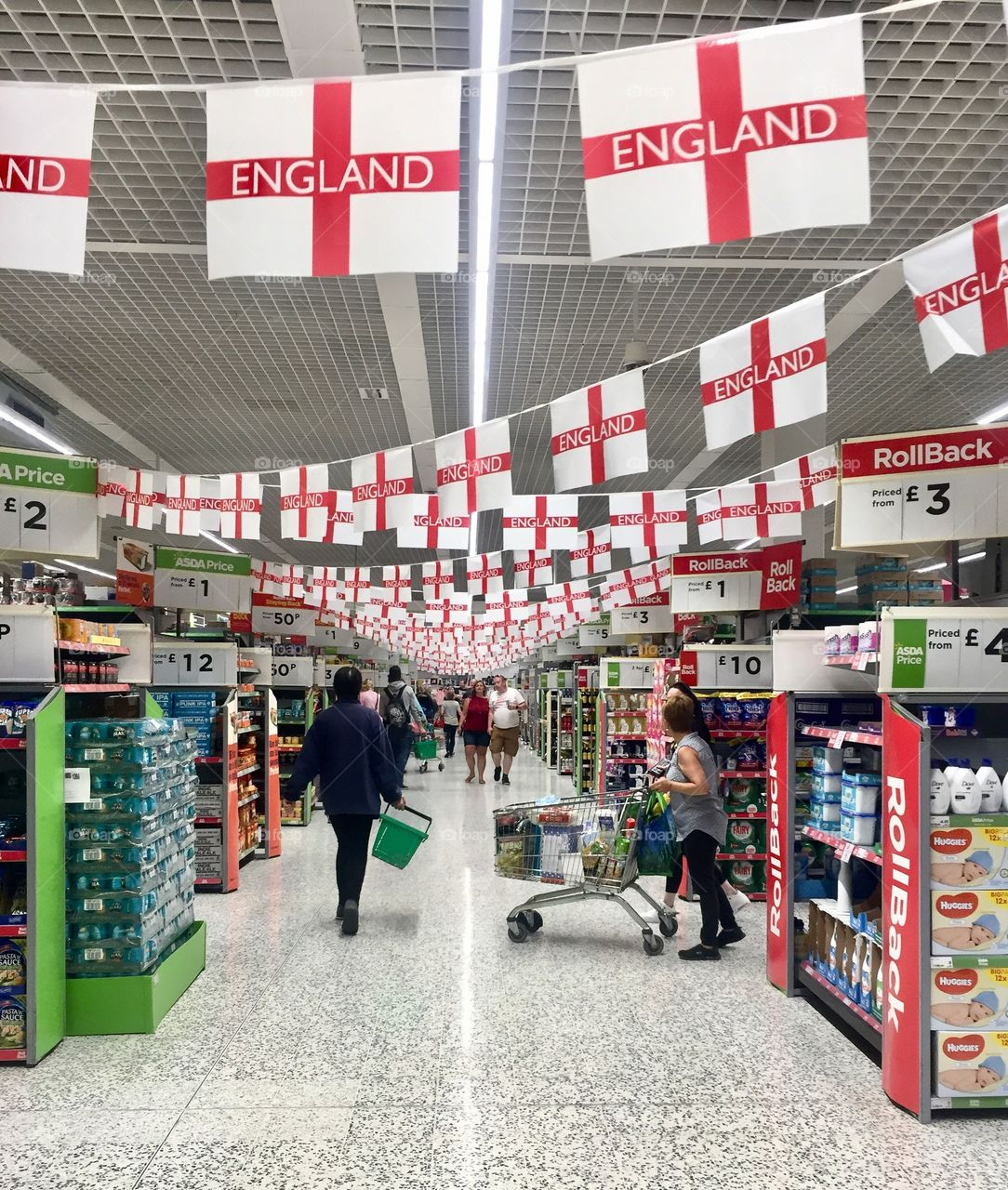 Store En Stock Foap Asda Store Celebrating England S Participation In The